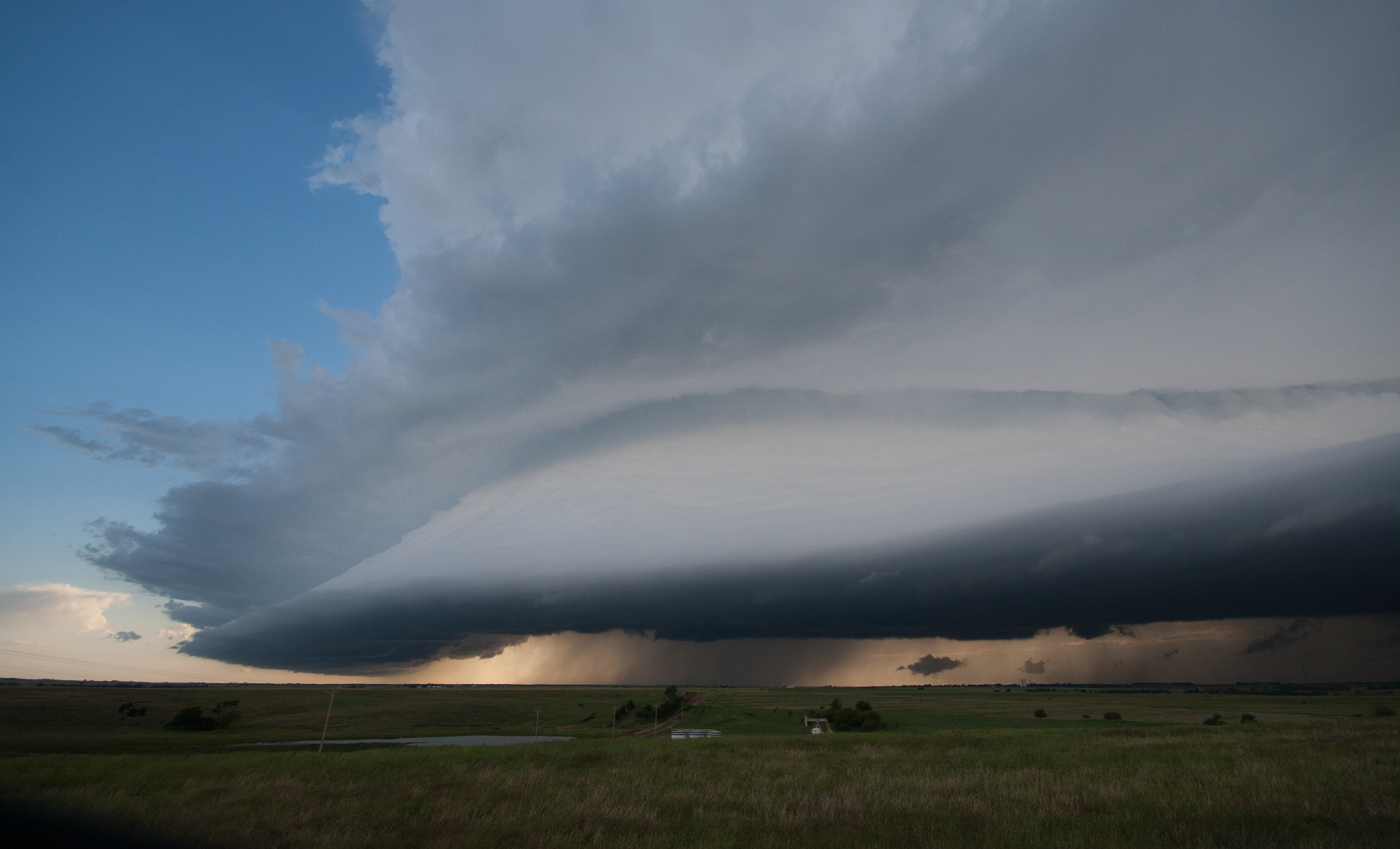 Shelf cloud of an Oklahoma supercell intercepted by UNL's TORUS team (courtesy Matthew Wilson).